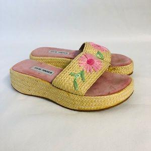 Steve Madden Pink Espirales Flower Sandals Sizer 7
